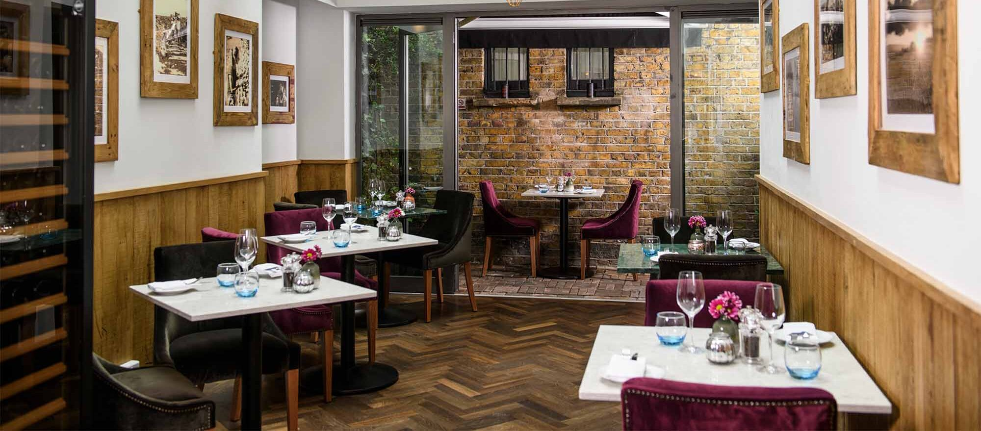 2850 South Kensington date spot